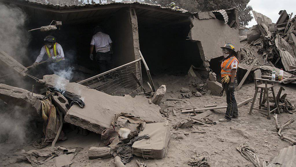 Fast 200 Vermisste nach Vulkanausbruch
