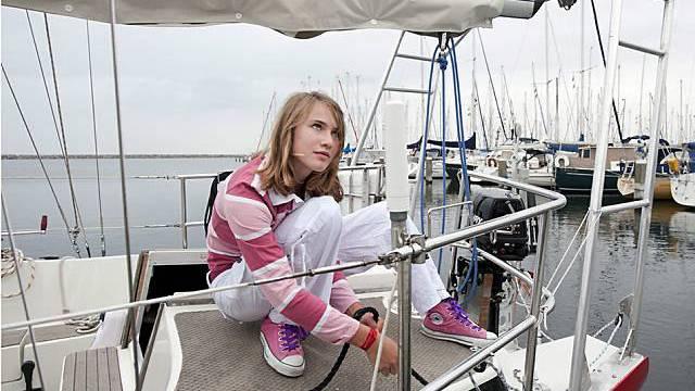 Laura Dekker bereitet sich für ihre grosse Reise vor (Archiv)