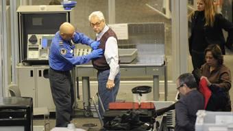 Nach dem 11. September 2001 haben sich die Kontrollen an den Flughäfen verschärft. (Archiv)