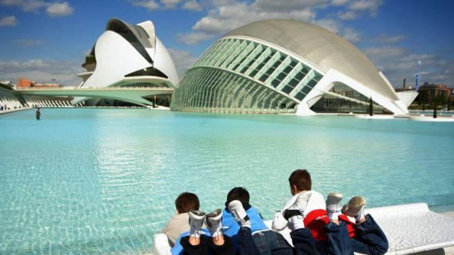 Lädt zum Entdecken und Verweilen ein: La Ciudad de las Artes y las Ciencias.  Foto: HO