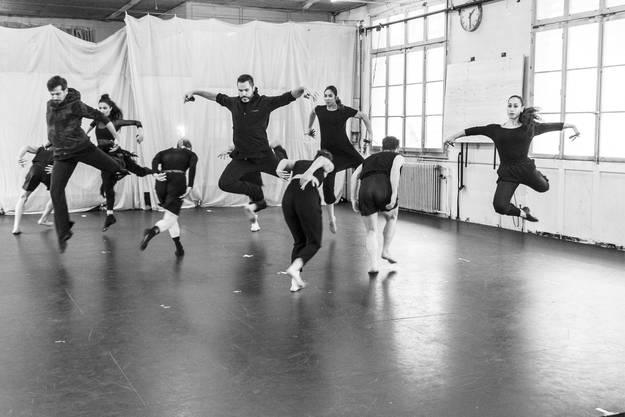 Zeitgenössischer Tanz, Flamenco und Breakdance eignen sich perfekt für die Interpretation der Ikarus-Sage.