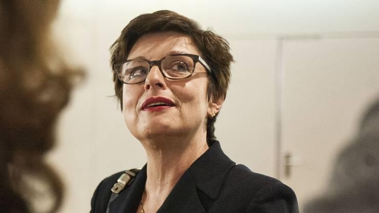 Anita Fetz: «Ich halte nicht viel von diesem zweistufigen Vorgehen. Der Bundesrat hätte noch bis zum Herbst verhandeln können», findet die Basler SP-Ständerätin. «Liegt bis dahin keine Einigung vor, braucht es nochmals einen neuen Volksentscheid, um die Bilateralen zu sichern.»
