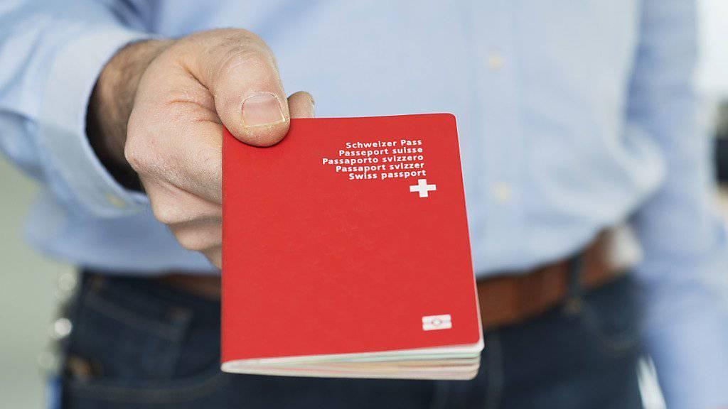 Tsering Hug hat nun endlich wieder einen Pass, mit dem sie auch reisen kann (Symbolbild).