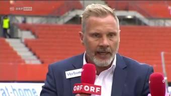 Hat einen recht dicken Hals: Thorsten Fink beim ORF-Interview nach dem Spiel gegen Red Bull Salzburg.