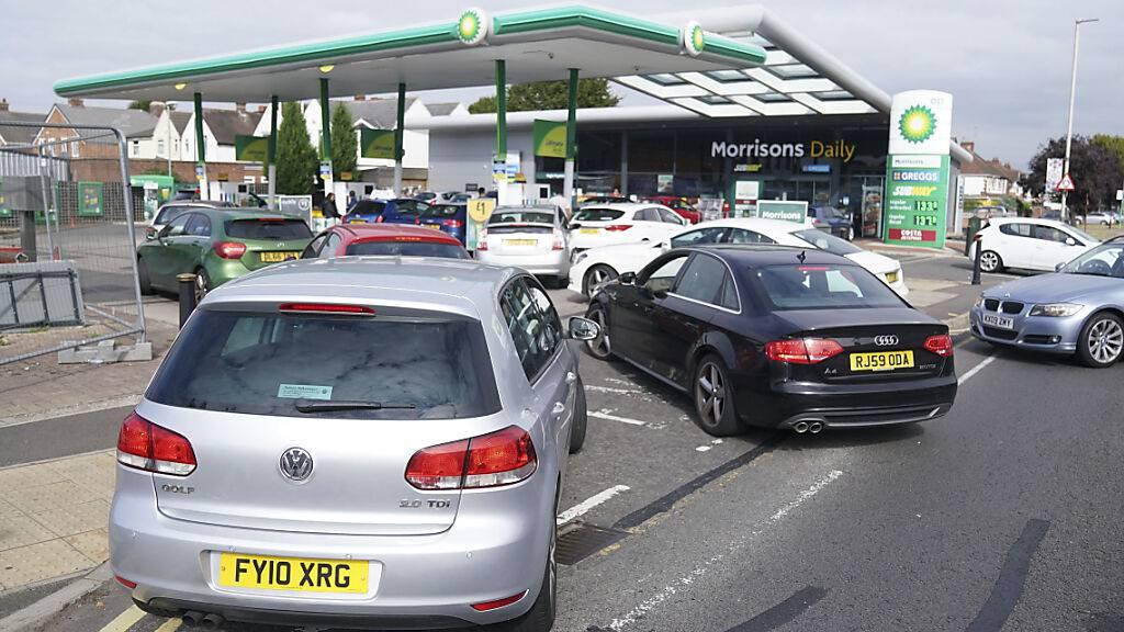 Die Armee wird ab Montag in Grossbritannien bei der Versorgung des Landes mit Benzin aufgeboten werden. (Archivbild)