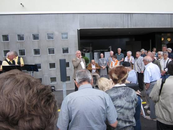 Ressortvorsteher Alter und Soziales Robert Welti begrüsst die Besucher