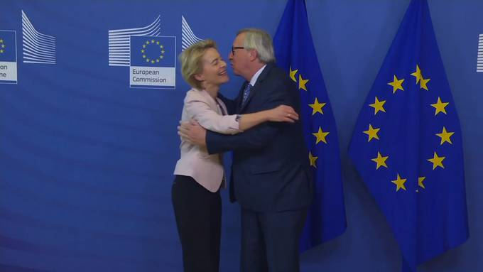 Knutsch-Attacke auf mögliche neue EU-Chefin