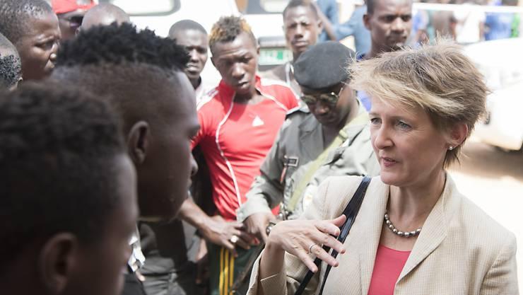 Am Montag empfängt Sommaruga in Bern die Mitglieder der Kontaktgruppe Mittelmeer. Ihr Ziel: Den Schutz der Menschen entlang der Fluchtrouten in Afrika verbessern. (Archivbild)