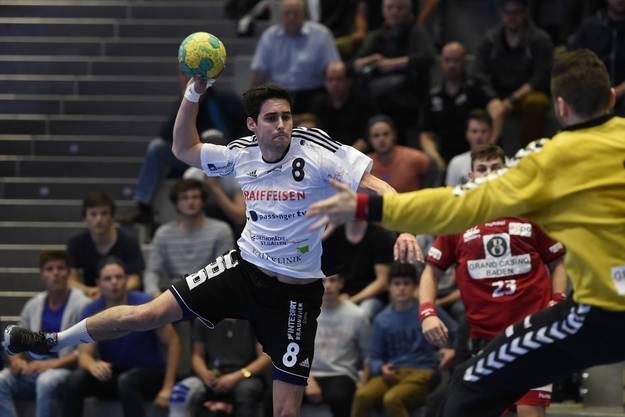 Andreas Wild (links, Gossau) gegen Andre Willimann (rechts, Endingen).