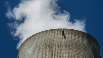 Mitte Februar soll wieder Wasserdampf aus dem AKW-Kühlturm in Leibstadt hochsteigen.