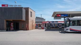 Der Bahnhof in Suhr. (Archiv)