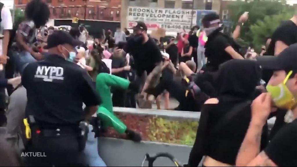 Schwere Ausschreitungen bei Demonstrationen in den USA