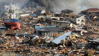 Hohe Schäden durch Erdbeben: Chaotische Bilder nach der Katastrophe in Japan (Archiv)