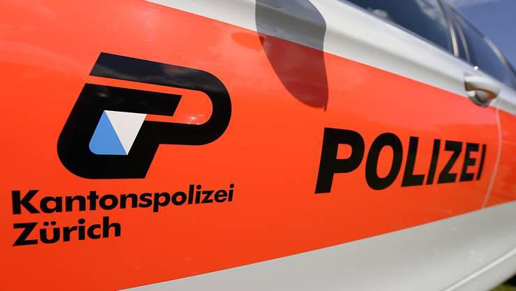 Die Polizisten verhafteten die zwei rumänischen Staatsbürger bei der vereinbarten Geldübergabe in Elgg. (Symbolbild)