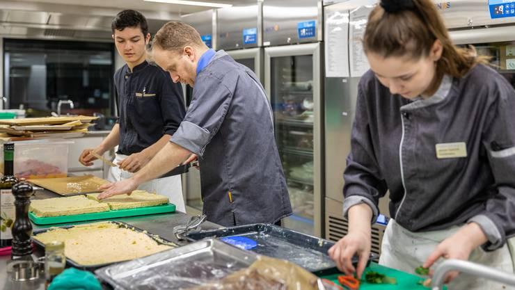 Im neuen Ausbildungszentrum werden die überbetrieblichen Kurse und die Qualifikationsverfahren für angehende Köche und Restaurantfachleute angeboten.