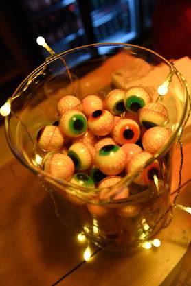 Augäpfel aus Fruchtgummi: Eine Nascherei für die Kinder.