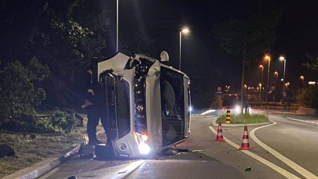 Glück für die Autofahrerin, Totalschaden bei Auto.