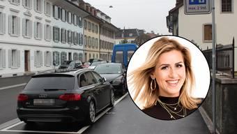 Wenige Parkplätze und alle sind schon von Autos besetzt: Dara Masi auf der Suche nach einem Parkplatz in Aarau.