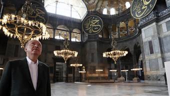 ARCHIV - Recep Tayyip Erdogan, Präsident der Türkei, besucht die Hagia Sophia in Istanbul. Foto: -/Turkish Presidency/AP/dpa - ACHTUNG: Nur zur redaktionellen Verwendung und nur mit vollständiger Nennung des vorstehenden Credits