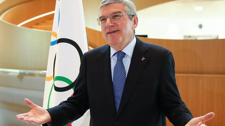IOC-Präsident Thomas Bach wehrt sich gegen Vorwürfe des Zögerns bei der Olympia-Verschiebung