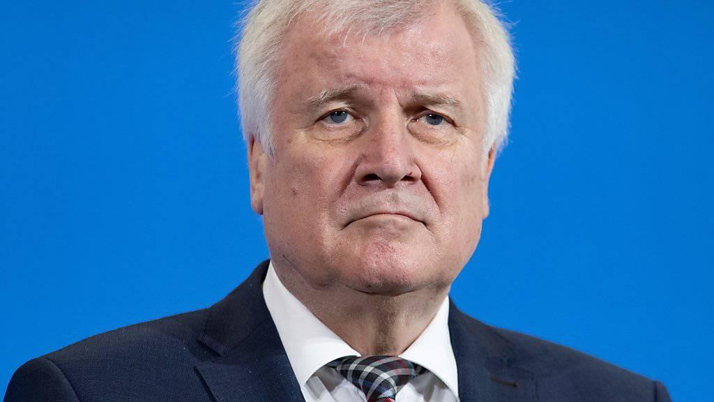 Legt sein Amt als CSU-Parteichef Mitte Januar 2019 ab: der deutsche Innenminister Horst Seehofer. (Archivbild)