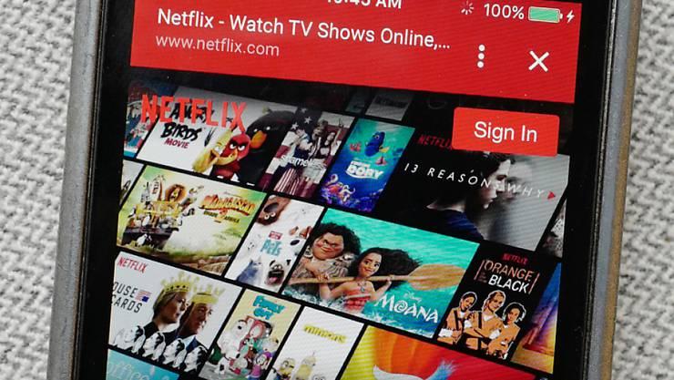 Der Internet-TV-Dienst Netflix hat mit seinen jüngsten Geschäftszahlen die Erwartungen von Analysten übertroffen. (Symbolbild)