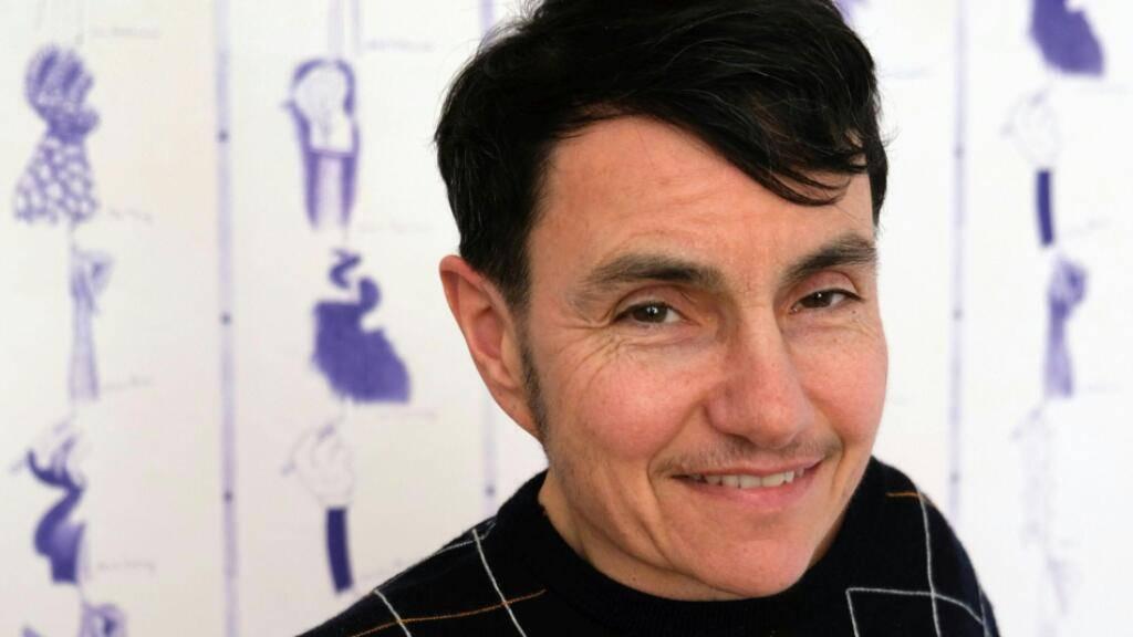 Der 58-jährige Künstler Sabian Baumann wird für sein breit gefächertes Werk mit dem Aargauer Kunstpreis ausgezeichnet.