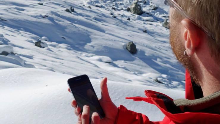 Eine Walliser Firma hat eine neue Smartphone-Applikation entwickelt, um das Lawinenrisiko besser einschätzen zu können (Bild zur Verfügung gestellt).