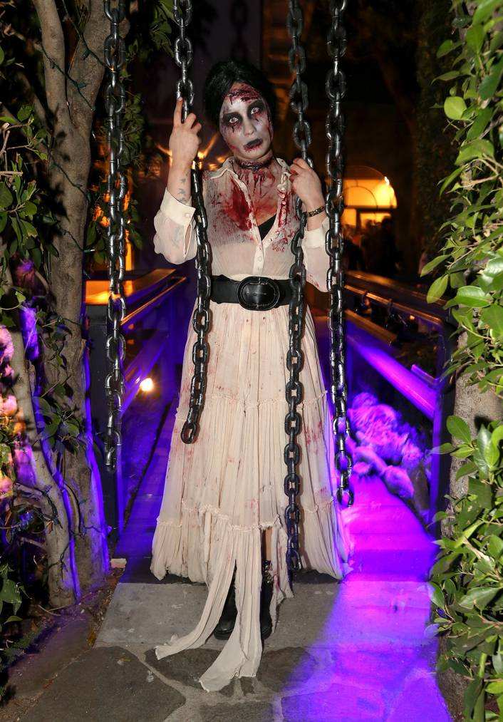 Demi Lovato an einer Halloween-Party 2013 (Photo by Christopher Polk/Getty Images for Philymack)