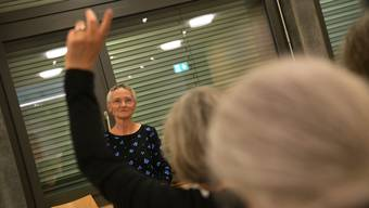 Die Anwesenden an der Aussprache hatten viele Fragen an Sterbehelferin Erika Preisig.