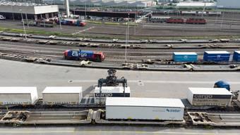 Private Unternehmen übernehmen 35 Prozent der SBB Cargo und wollen damit deren Effizienz verbessern helfen.
