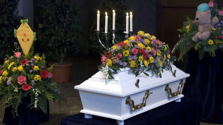 Anstatt zu genesen, starben drei Kinder nach der Therapie an Leukämie. (Symbolbild)