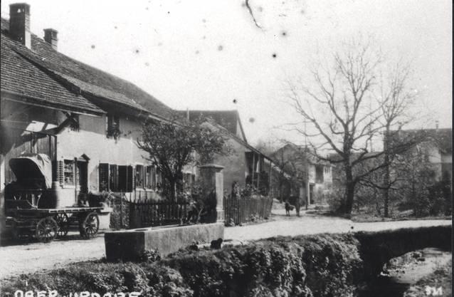 Bis ins 20. Jahrhundert hinein waren die Strassen staubig, so wie hier in Oberurdorf.