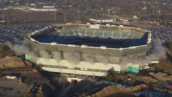 Der Versuch, den Pontiac Silverdome in Detroit am Sonntag teilweise zu zerstören, ging in die Hose.