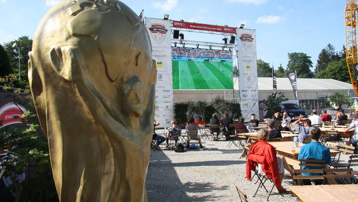 So geht Fussball bei der Reithalle Eröffnungsspiel Russland - Saudi-Arabien...