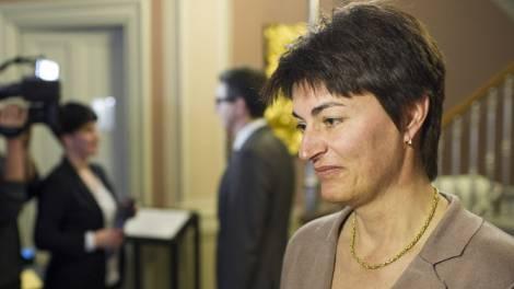 Die neu gewählte Glarner Regierungsrätin Marianne Lienhard (rechts)