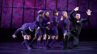 Das Theater Basel wird bei  laufendem Theaterbetrieb durchgeführt. Jedoch wird die spiel- und probenfreie Sommerpause 2020 von sechs auf zwölf Wochen verlängert. (Archivbild von der Aufführung «Tod in Venedig»)