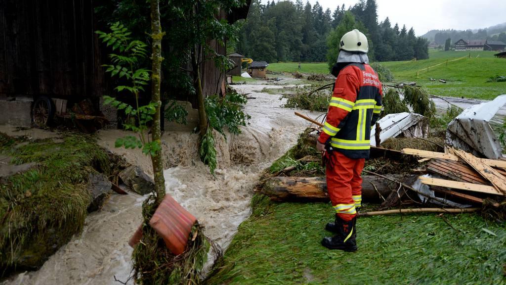 Feuerwehrmann wird nach Unwetter-Einsatz gekündigt