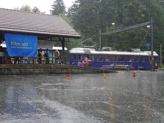 Im Berg des Weissenstein stört der Regen nicht.