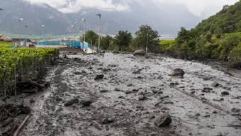 Am 11. August trat die Losentse bei Chamoson im Unterwallis über die Ufer. Sie riss zwei Menschen in einem Auto mit, ein sechsjähriges französisches Mädchen und einen 37-jährigen Genfer.