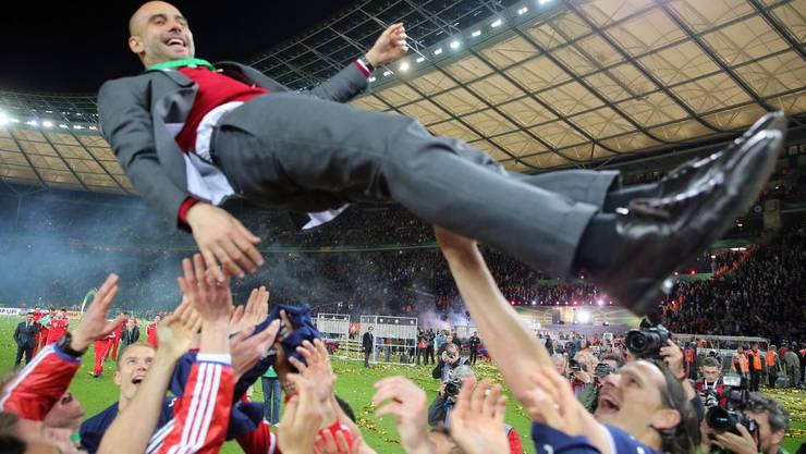 Pep Guardiola bei der Feier zum deutschen Cup-Gewinn mit Bayern-München im Mai 2014.