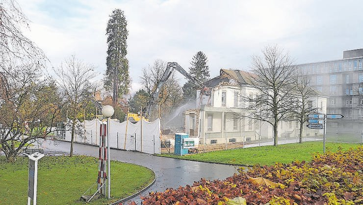 Das Haus 5 (ehemalige Medizin) wird abgebrochen.