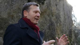Christof Gasser (57) in der Verenaschlucht, wo in seinem neuen Buch ein Mord geschieht.