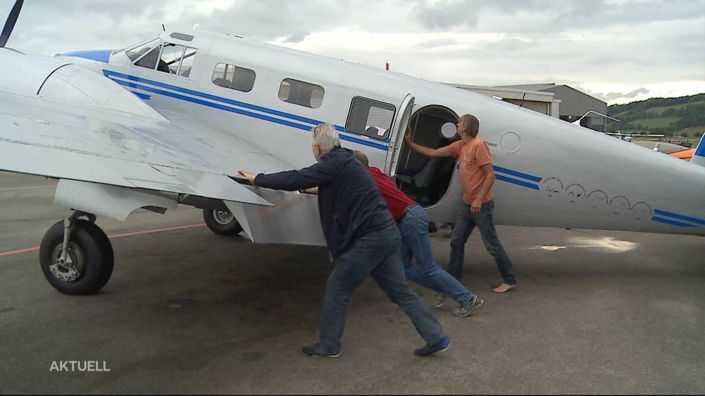 Oldtimer-Flugzeug hebt nach 40 Jahren am Boden wieder ab