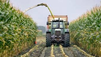 Schweizer Landwirtschaft soll umweltfreundlicher werden, findet der Bundesrat. Neue Technologien sollen das möglich machen.