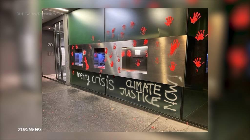«Merry Crisis»: Klima-Aktivisten stecken hinter Farbanschlägen in Zürich