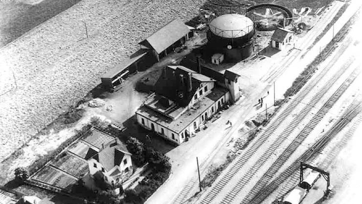 Eine historische Luftaufnahme des Gaswerks von Grenchen.