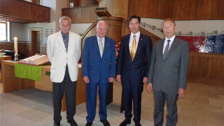 Martin Ochsner, Vizepräsident der Kirchgemeinde, Rolf Enggist, François Scheidegger und Robert Gerber in der Zwinglikirche (von links).