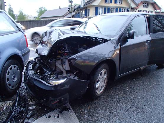 Die Unfallverursacherin hat das Rotlicht missachtet. Der Sachschaden beträgt 15'000 Franken.