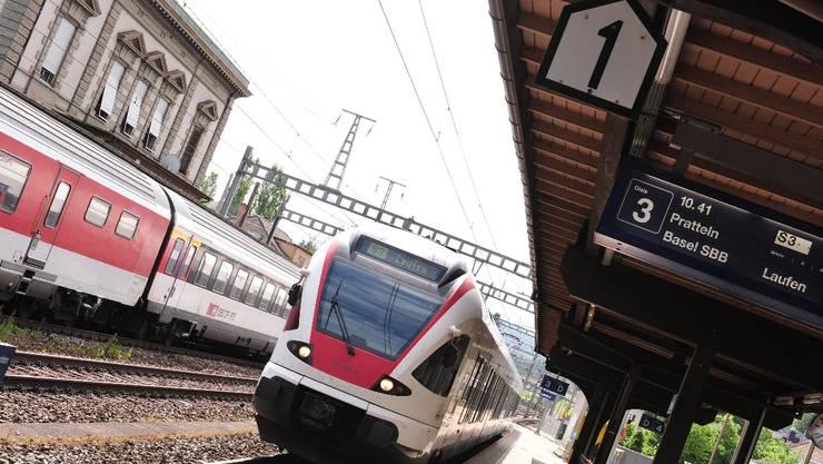 Quo Vadis? Eine S3 im Bahnhof Liestal.